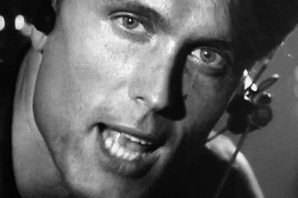 2000-е и музыкант - трагическая смерть исполнителя (фото)