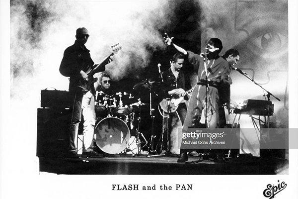 Формирование Flash and the Pan (фото)