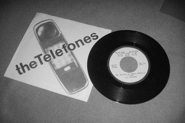 Формирование The Telefones (фото)