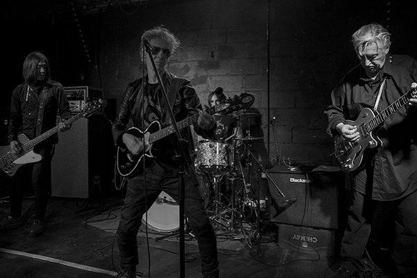 Первые концерты и туры группы The Sharks (фото)