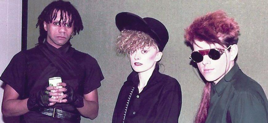 Биография Thompson Twins - известная британская поп-группа из 70-х