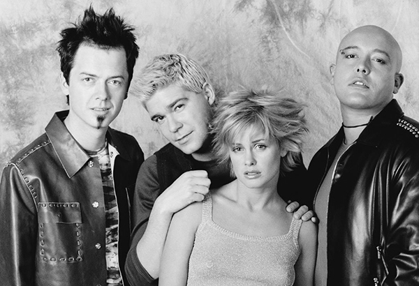 Дебютные альбомы и творения середины 90-х (фото)