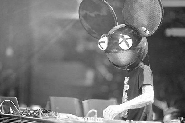 2000-е изменение жанра и новые музыкальные предпочтения (фото)