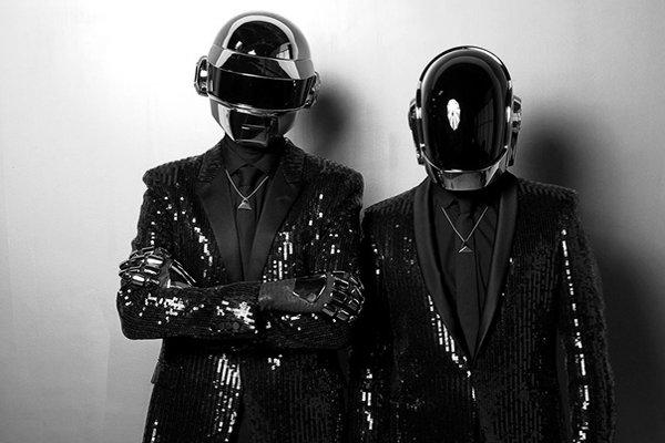 Выступления и новые синглы (фото)