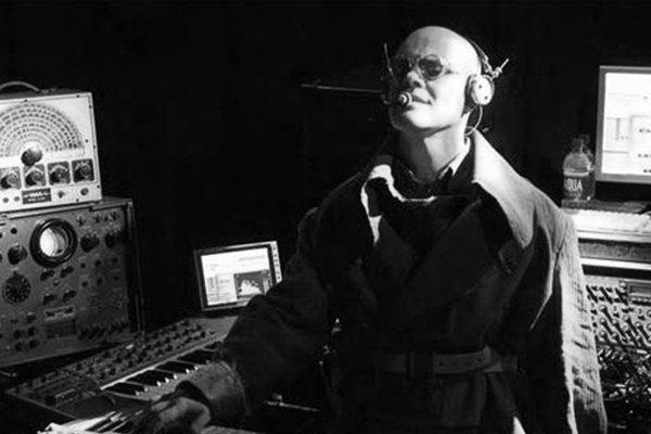 Вхождение в 90-е и творчество Thomas Dolby (фото)