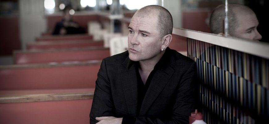 Биография Гэвина Фрайдея (Gavin Friday) - ирландский певец и актер