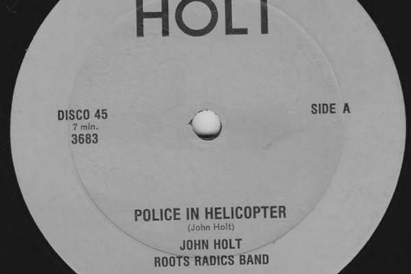 Общее о Джоне Холте (фото)