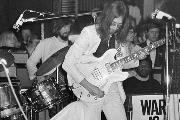 Продолжение творчества в 70-х и распад Plastic Ono Band (фото)