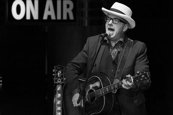 Появление Элвиса Костелло (Elvis Costello) в 90-х и 2000-х