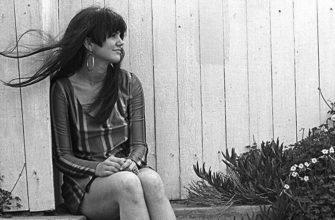 Биография Линды Ронстадт (Linda Ronstadt) - американская певица популярной музыки