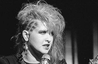 Биография Синди Лопер (Cyndi Lauper) - американская певица с мировой славой