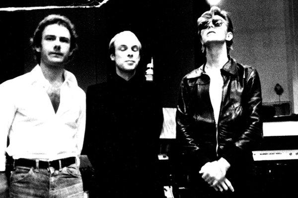 Особенности работы в King Crimson и достижения артистов