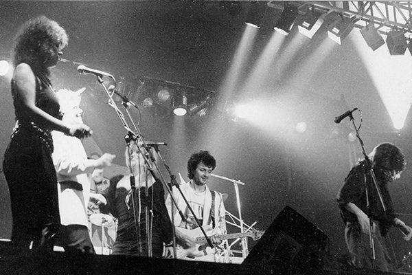 Смена стилистики на new wave и деятельность в 80-х