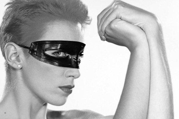 Сольное творчество Энни Леннокс (Annie Lennox) в 90-х