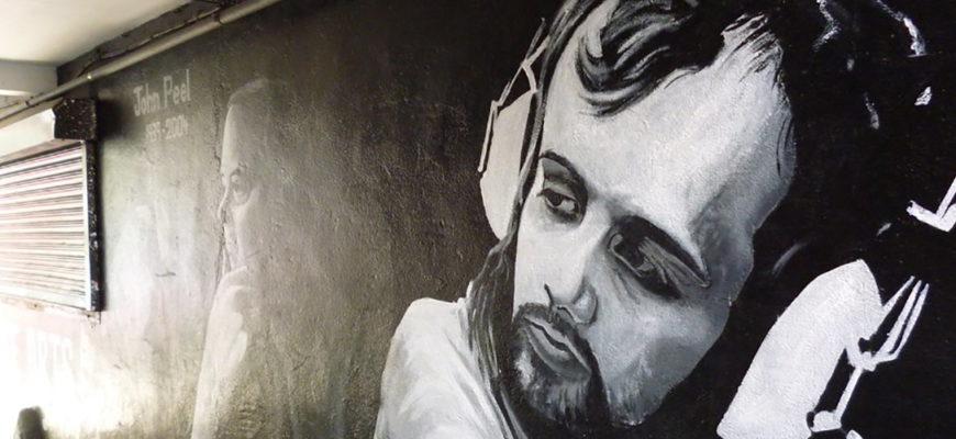 Биография Джона Пила (John Peel) - великий диск-жокей BBC Radio 1