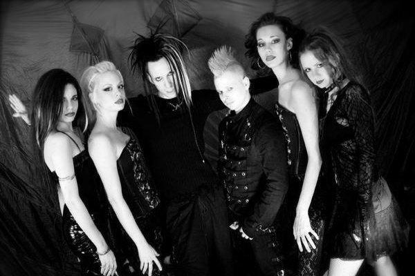 Конец 90-х и творчество The Crüxshadows