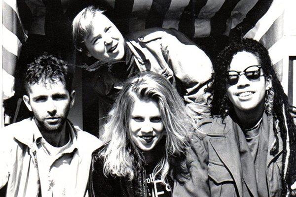 Начальная активность и развитие рок-группы