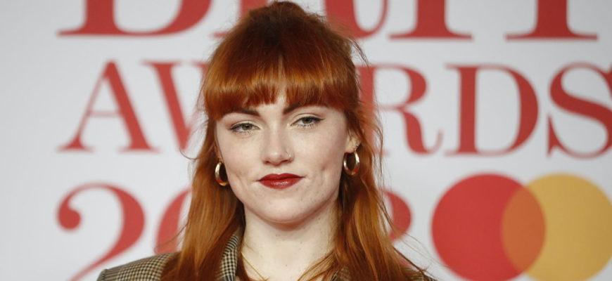 Биография Хлоя Хоул (Chlöe Howl) - юная британская певица