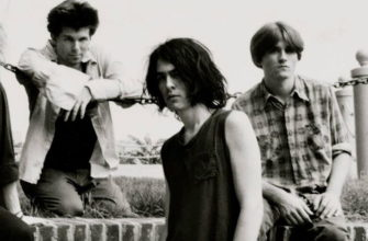 Биография Pussy Galore - популярная рок-группа из США
